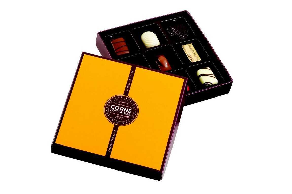 Boîte carrée garnie<br> 9 chocolats assortis - SANS ALCOOL