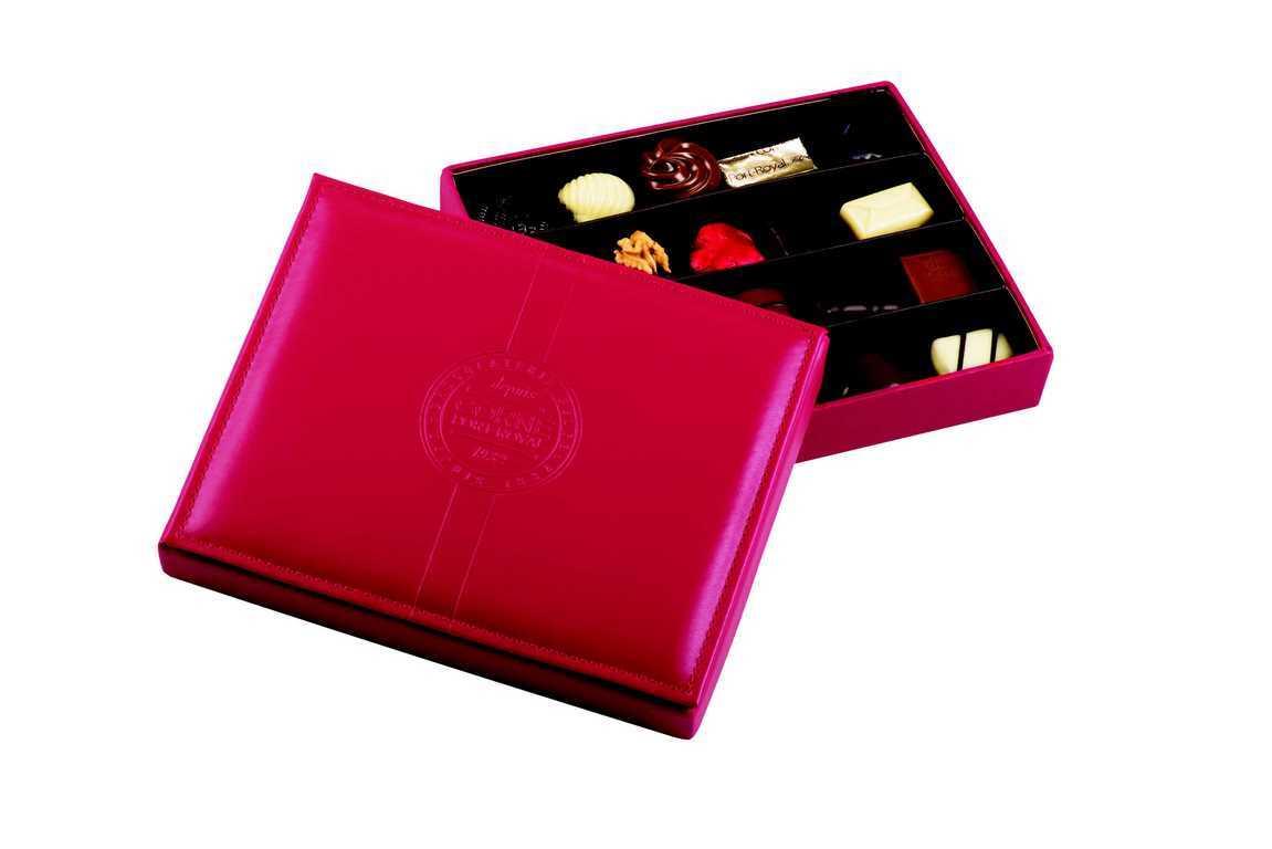 Boîte cuir rouge garnie <br>20 chocolats assortis SANS ALCOOL