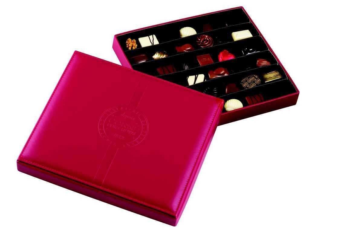 Boîte cuir rouge garnie <br>36 chocolats assortis SANS ALCOOL